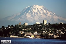 Mt Rainier lies within easy reach of Seattle. It is a stratovolcano.